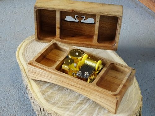 Jewelry box with music