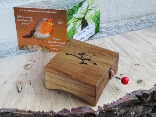 Music box The Hague elm wood