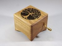 Music box Lude Manual with tree. Elm from Utrecht (Rachmaninoffplantsoen)