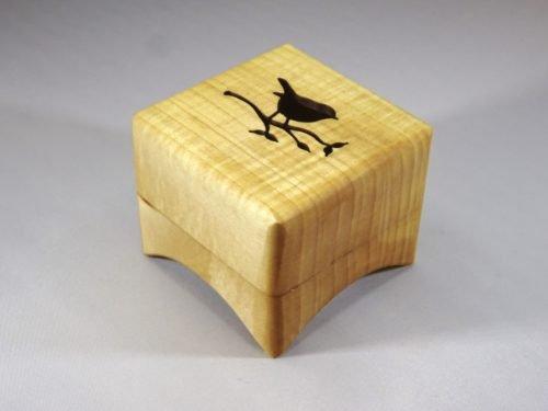 cadeau van hout met muziek