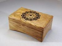 Music box Blackbird with Mandala cutout. Beech from Rotterdam (Kralingse Bos)