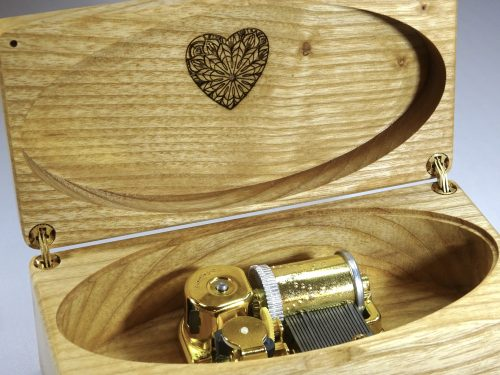 music box with heart