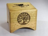 Music box Lude Manual with robin and tree of life. Oak & Beech from The Hague
